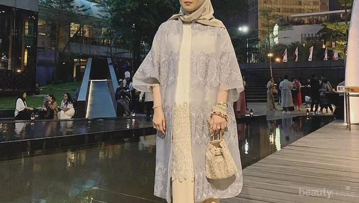 Kumpulan Kebaya Mewah dan Elegan Milik Sarah Sofyan