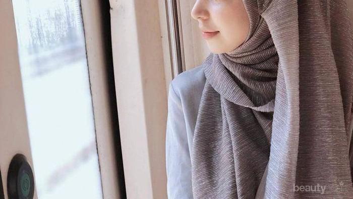 Minim Ruang di Lemarimu? Begini Cara Menata Hijab Agar Tidak Boros Tempat!