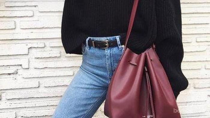 Biar Makin Stylish, Mix and Match Sweater dengan Fashion Items Ini Aja, Yuk!