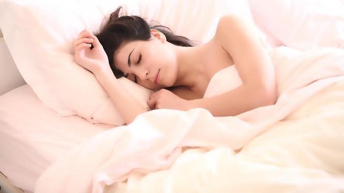 Agar Bangun dengan Fit, Lakukan 5 Kebiasaan Sehat Sebelum Tidur Ini!