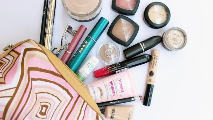 Jangan Berantakan Lagi Dong, Atur Produk Makeup Kamu Agar Lebih Rapi dengan Cara Ini