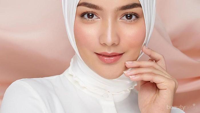 Cantik dan Bikin Wajah Tirus, Begini Tips Memakai Hijab Segi Empat ala Artis Indonesia