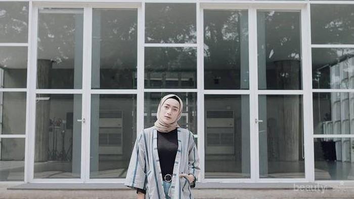Inspirasi Style Hijab Casual dengan Sneakers Ini Bisa Kamu Ikuti untuk Acara Buka Bersama Teman!
