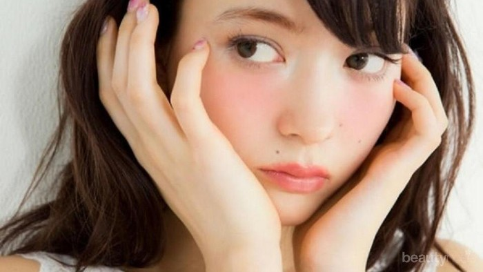 Tanpa Blush On, 5 Cara Ini Bisa Bikin Wajahmu Merah Merona Secara Alami