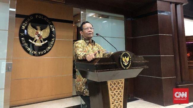 Mahfud MD menyebut pemerintah pusat telah memberi keleluasaan kepada pemda untuk mengambil kebijakan, termasuk karantina wilayah, dalam pencegahan virus corona.