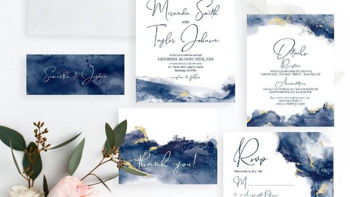 Ide Desain Undangan Pernikahan Warna Biru