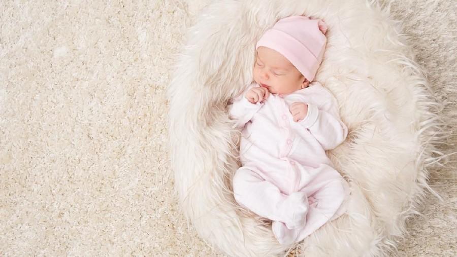 10 Larangan pada Bayi Baru Lahir, Salah Satunya Pantang Pakai Bedak