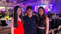 <p>Dari pernikahannya dengan Nina Li Chi, Jet Li dikaruniai dua anak perempuan, Jane Li dan Jada Li. Keduanya memiliki paras yang cantik. (Foto: Instagram @jetli)</p>
