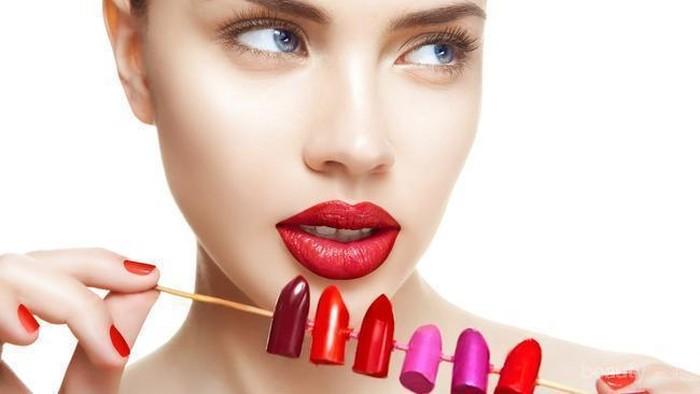 Kulitmu Punya Undertone Kuning? Hindari Warna Lipstick Ini!