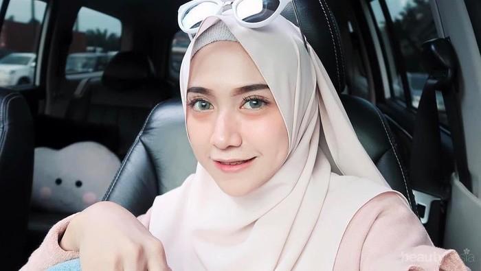 Mau Tampil dengan Hijab Kekinian di Bawah 50K? Online Shop Ini Jawabannya!