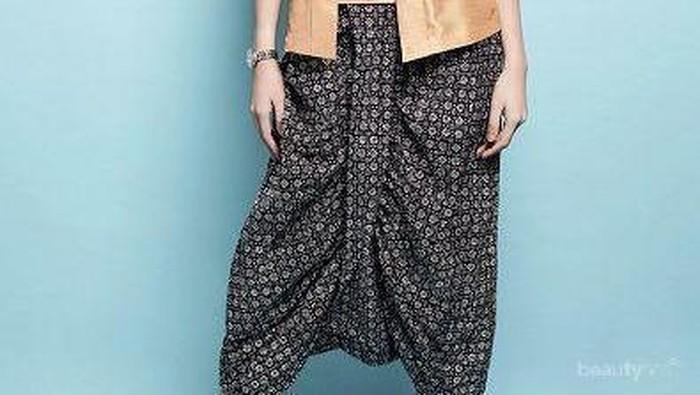 Malas Pakai Dress Atau Kebaya? Cobain Inspirasi Style Kondangan dengan Celana Ini Yuk