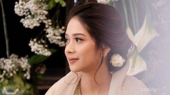 Dampingi Wishnutama Dilantik Jadi Menteri, Penampilan Gista Putri Tuai Pujian!