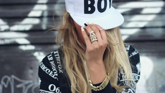 Ambil Inspirasi Casual Look dengan Menggunakan Snapback Hat Yuk!