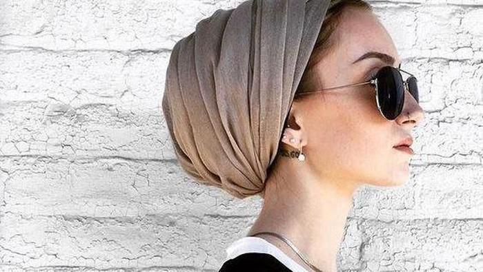 Tutorial Gaya Hijab Turban Kekinian Agar Penampilan Makin Fashionable