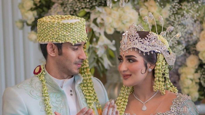 Mengintip Busana Tania Nadira, Prewedding Hingga Resepsi Pernikahan Mewah Rp10 Miliar