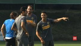 VIDEO: Alexis Sanchez dan Arturo Vidal Dikarantina