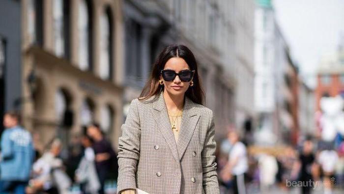 Selain untuk Acara Formal, Ini Rekomendasi Outfit Paduan Blazer dengan Denim