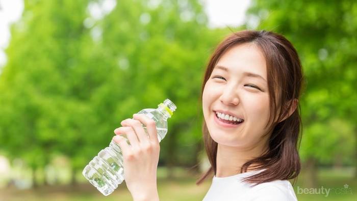 Diet Air Putih Bisa Turunkan Berat Badan Hingga 20 Kg, Benarkah?