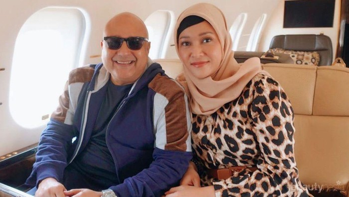 Umroh Bersama Sang Suami, Maia Estianty Tampil Lebih Cantik dalam Balutan Hijab