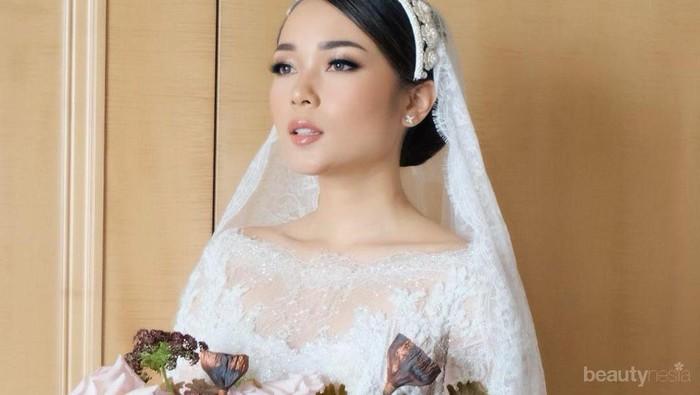 Balutan Kebaya dan Gaun Pengantin Cantik Influencer Ayla Dimitri di Hari Pernikahan
