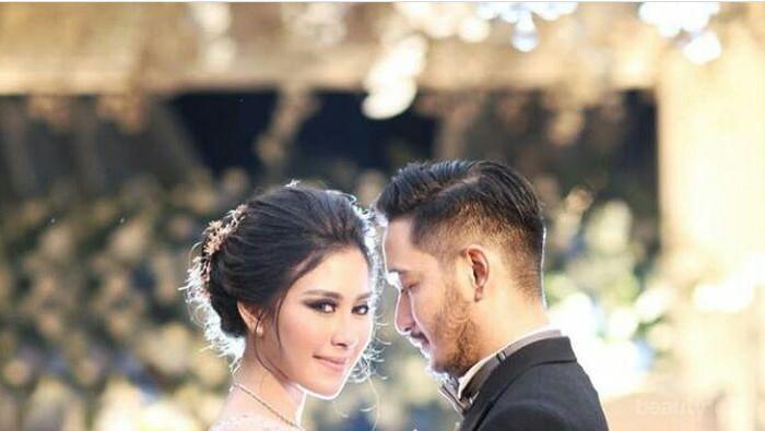 Cara Memilih Model dan Jenis Gaun Pernikahan Sesuai Bentuk Tubuh