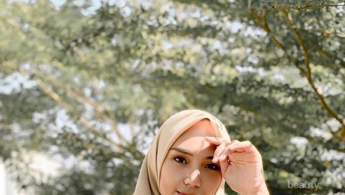 Tips Pilih Hijab Nyaman Ala Youtuber Cantik Ranie Karlina