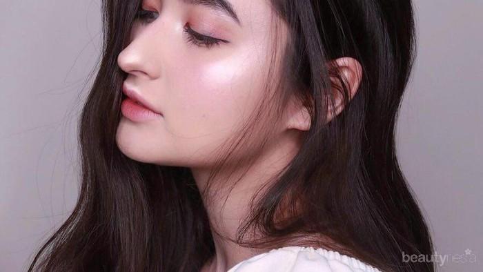 Panduan Pemula: Cara Blending Eyeshadow yang Tepat untuk Riasan Mata yang Cantik