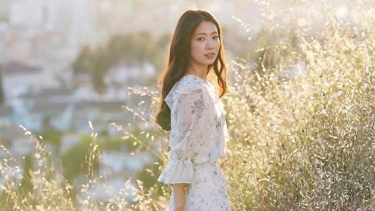 5 Drama Korea Romantis yang Dibintangi Artis Cantik Park Shin Hye