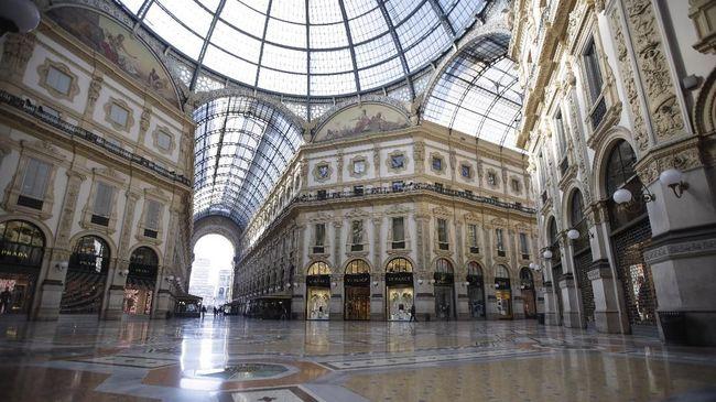 Vatikan mengumumkan penutupan semua gereja Katolik di seluruh Roma untuk menekan penyebaran virus corona di Italia.