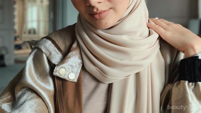 7 Inspirasi Gaya Classy ala Noor Neelofa, 'Gigi Hadid' Berhijab Asal Malaysia