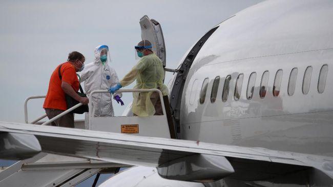 Pemerintah Kamboja melarang sementara  penerbangan dari Indonesia dan Malaysia karena mendeteksi kasus infeksi baru Covid-19 dari penumpang pesawat.