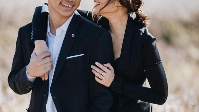Uniknya Foto Prewedding Ayla Dimitri, Contek Juga Konsep Outdoor Lainnya!