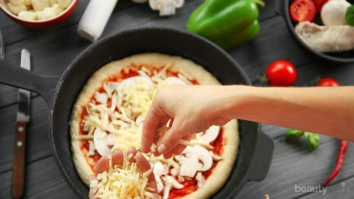 Gampang Banget! Ini Resep Mudah Membuat Pizza dengan Teflon untuk Anak Kos