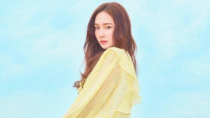 Cantik, Sontek Inspirasi Outfit Warna Putih ala Jessica Jung Berikut Yuk!