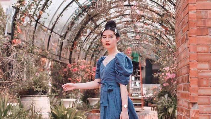 Inspirasi Midi Dress untuk Cewek Tubuh Mungil ala Si Imut Cherry Dreamy