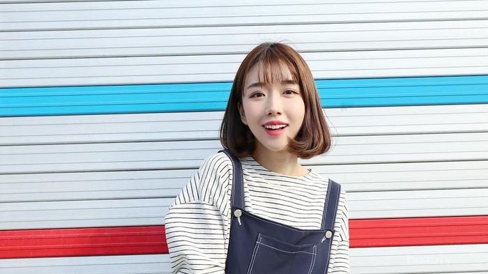 8 Style Kampus ala Cewek Korea yang Simpel Tapi Kekinian