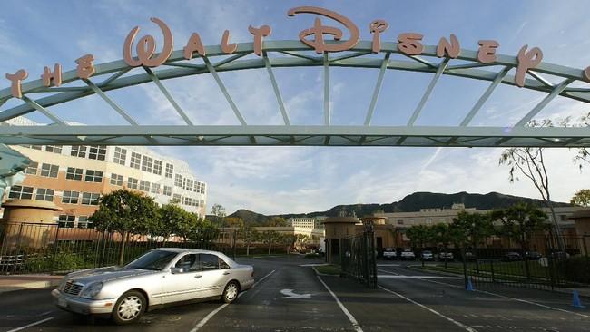 Tertekan Corona, Walt Disney PHK 32 Ribu Karyawan