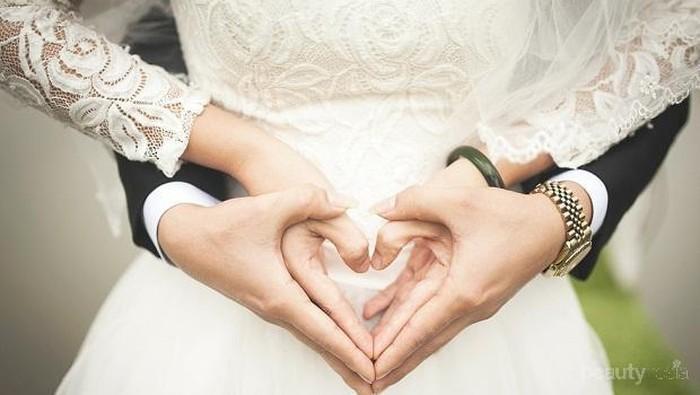 Bingung Kurang Budget? Coba Tips Menabung untuk Menikah di Usia 25 Tahun Ini!