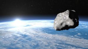 Benda Misterius Panjang 10 Meter Mendekati Bumi