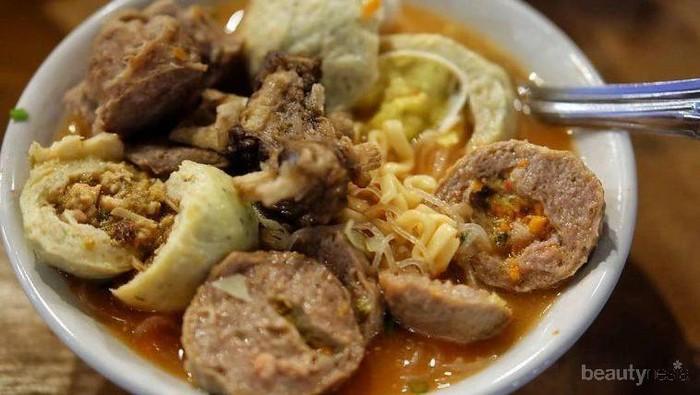 Unik! Yuk Coba Bakso Isi Ayam Betutu yang Super Enak di Bali Ini