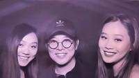 <p>Jet Li mengaku bangga nih sama Jane dan Jade. Bila Jade masih menimba ilmu di bangku sekolah, kakaknya Jane kini berkuliah di Harvard University lho. Keren kan? (Foto: Instagram @jetli)</p>