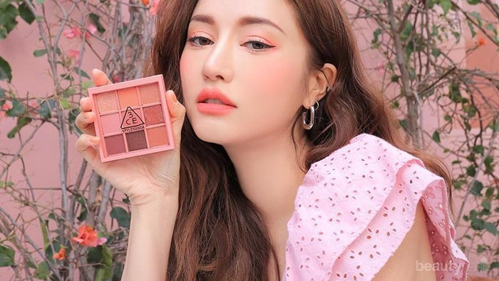 8 Rekomendasi Produk 3CE untuk Makeup Fresh Warna Coral ala Korea