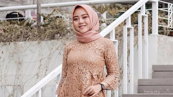 8 Model Kebaya Modern 2019 untuk Tampil Anggun di Pernikahan Mantan