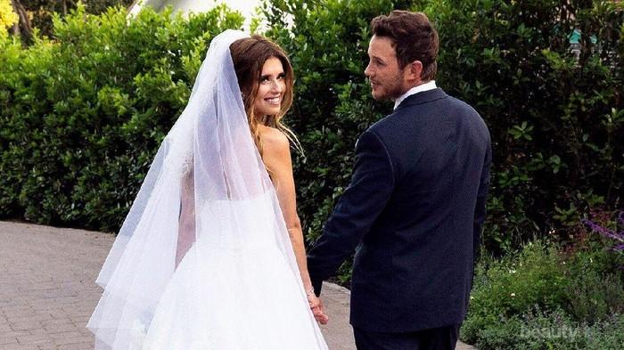 Dinikahi Chris Pratt, Gaun Pengantin Katherine Schwarzenegger Mencuri Perhatian