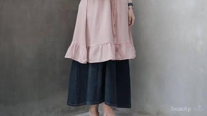 Hijab Style Cara Padu Padan Tunik Warna Dusty Pink
