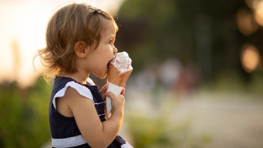 Anak Sering Konsumsi Makanan Manis, Begini Cara Membatasinya