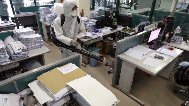 Pemerintah Singapura memberi insentif senilai total S$9.000 untuk 9 bulan kepada para pekerja informal yang terdampak virus corona.