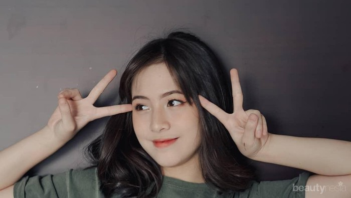 8 Gaya Imut Zara JKT48, Si Pemeran Dara di Film Dua Garis Biru