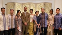 <p>Pernikahan Adinda tampak dihadiri oleh keluarga Bakrie. (Foto: Instagram)</p>
