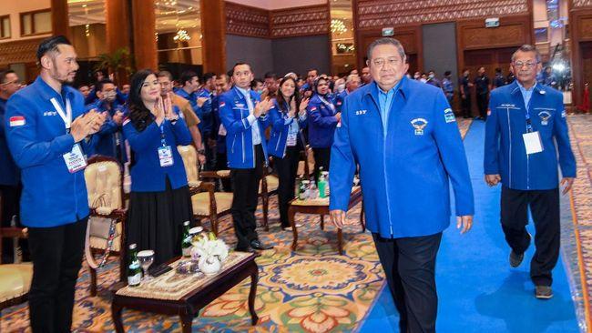 Partai Demokrat menyebut Moeldoko masih bergerak bersekongkol melakukan kudeta terhadap kepemimpinan Agus Harimurti Yudhoyono.